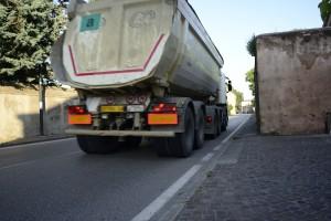 B_Via Schiavin_21-6-13_2_camionZillo