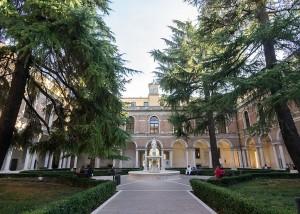Ospedale_Giustinianeo_Chiostro_interno