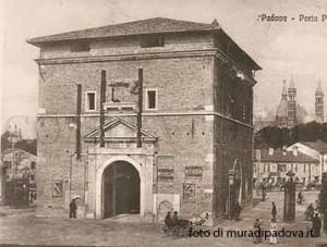 Porta Pontecorvo foto storica